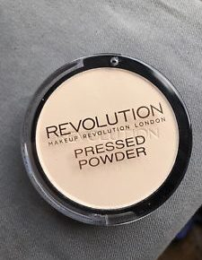 Makeup Revolution Pressed Powder bd